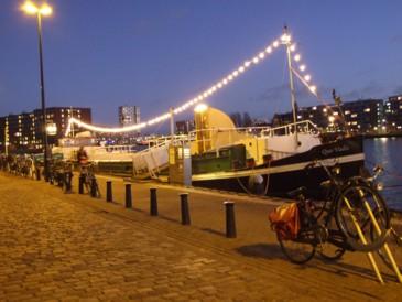 schip voorkant avond